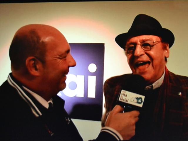 Renzo Arbore intervistato da Maurizio Zini a Sanremo