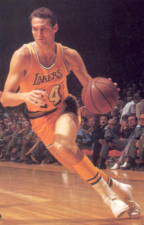 Jerry West, la cui silhouette è diventata il logo NBA