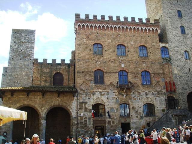 Il municipio di San Gimignano