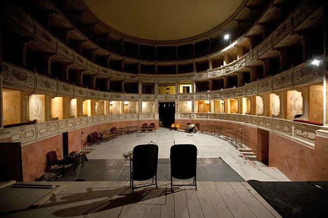 Il teatro Rossi aperto