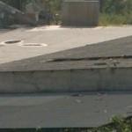 Il tetto dell'edificio dissestato