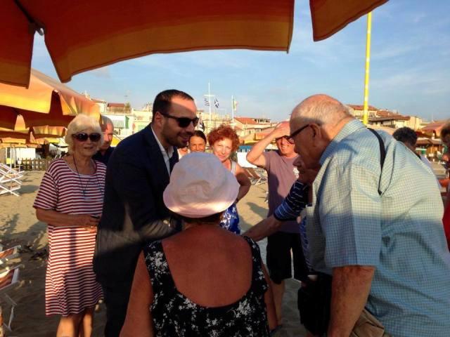 Il sindaco Bertinelli in Versilia per salutare gli anziani ...