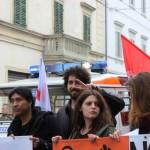 Il corteo di Prc. PcdI, Iskra e Csa Intifada a Empoli (foto gonews.it)
