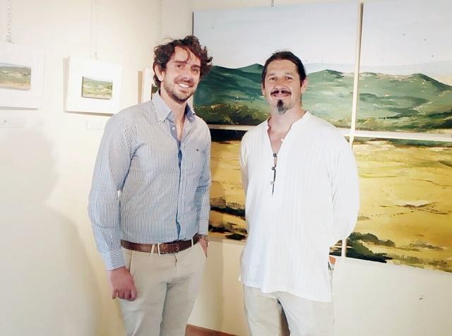 da sx l'assessore Lorenzo Lotti e l'artista Valerio Mirannalti